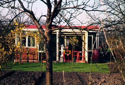Jan Wolkers' vroegere tuinhuisje heropend als schrijvershuis